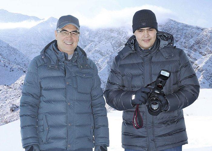 Гурбангулы Бердымухамедов слепил снеговика с внуком